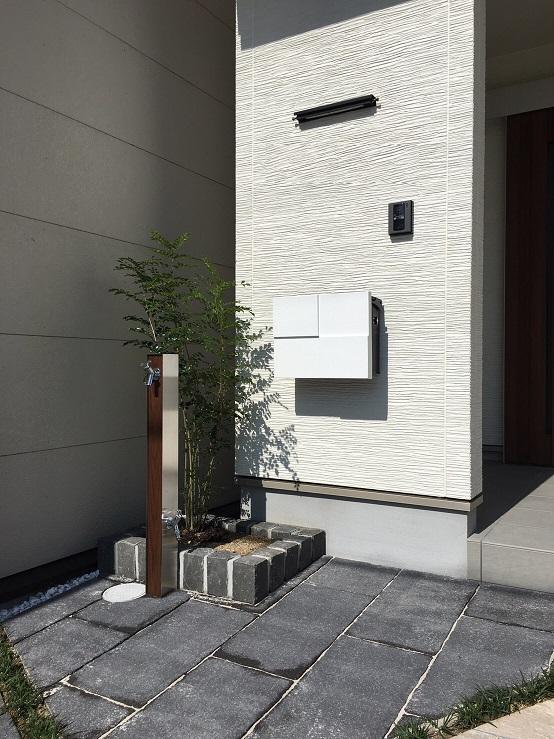 京都市中京区 総タイル貼のガレージ